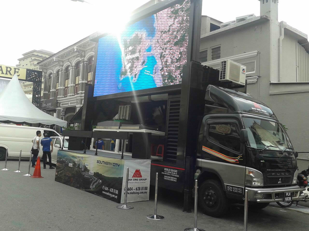 led advertising truck outdoor launching